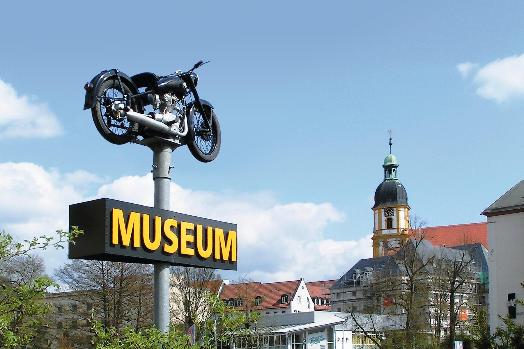Fahrzeugmuseum Suhl: Pylon am CCS (Foto: UH)